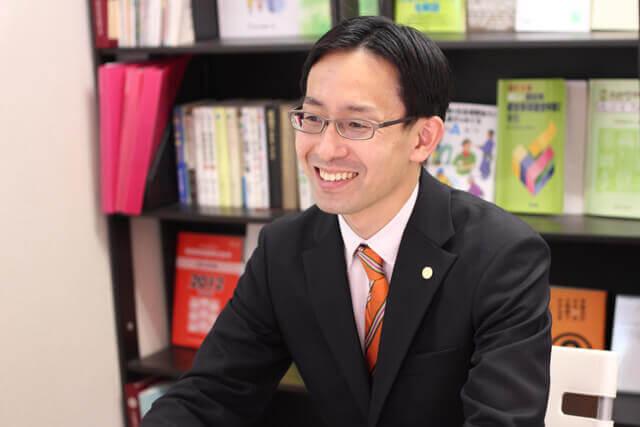 代表行政書士:阪本浩毅